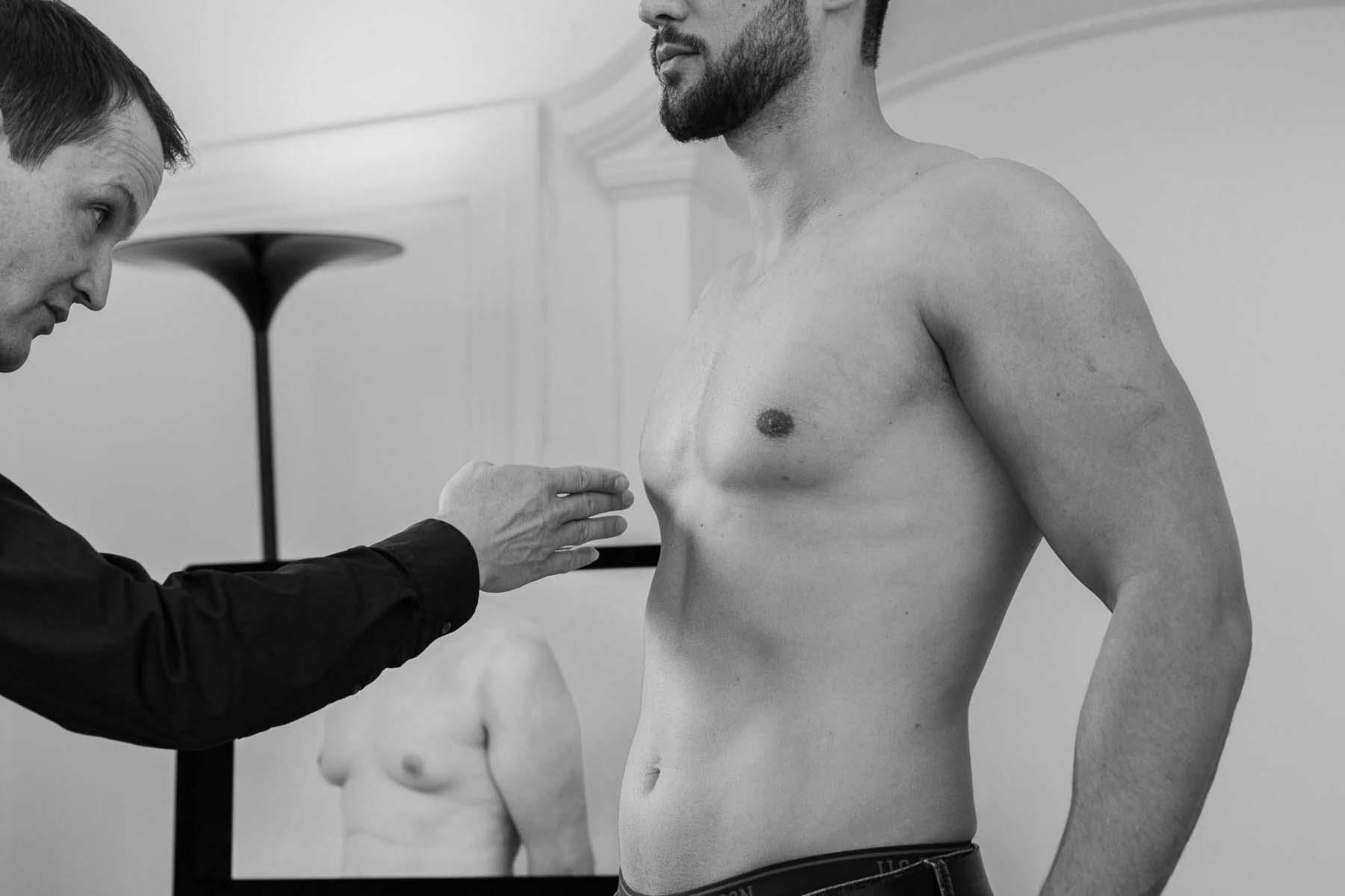 Gynäkomastie-OP gegen Männerbrüste