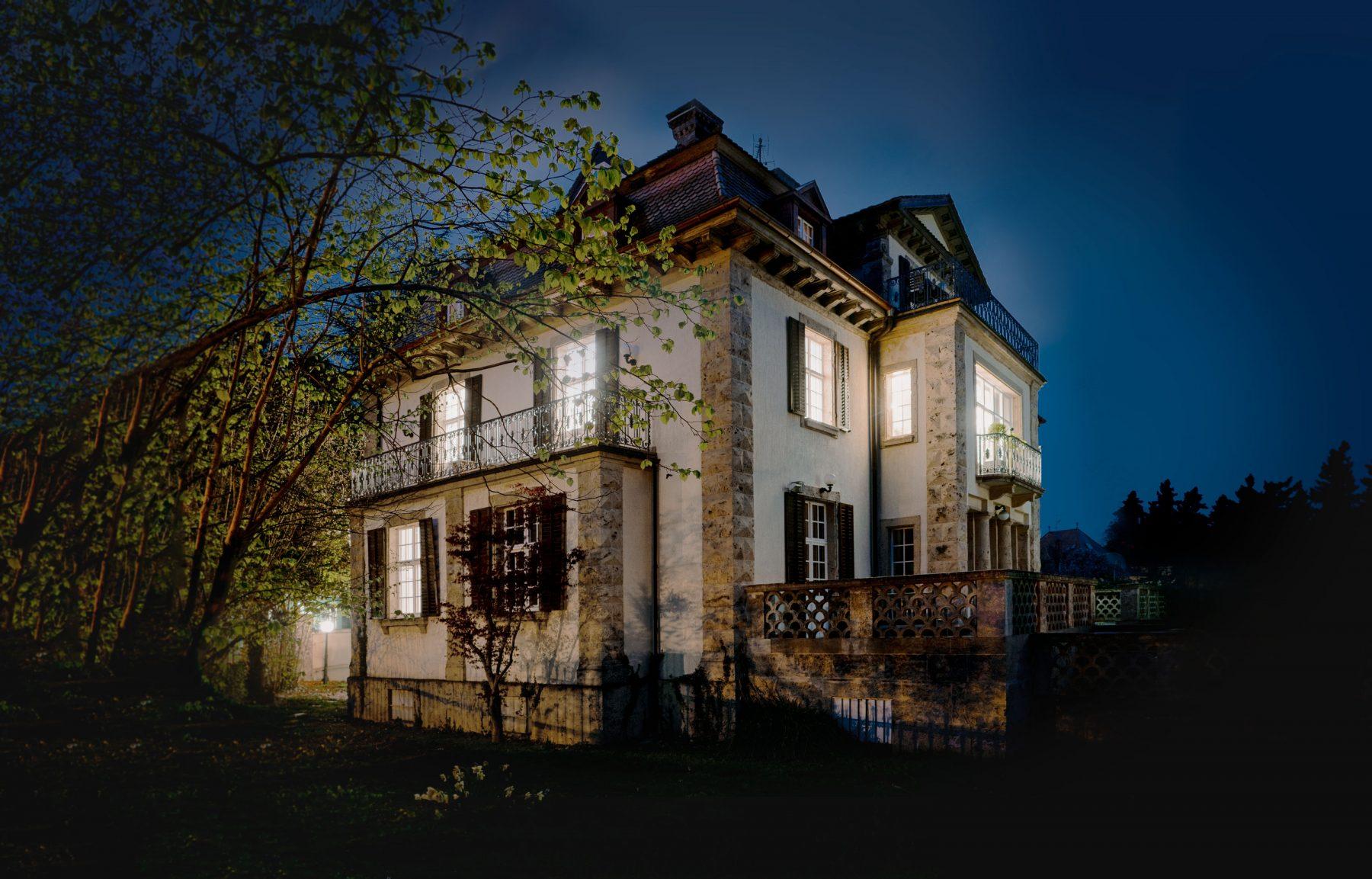 Außenansicht Praxis Borges Aesthetics nachts