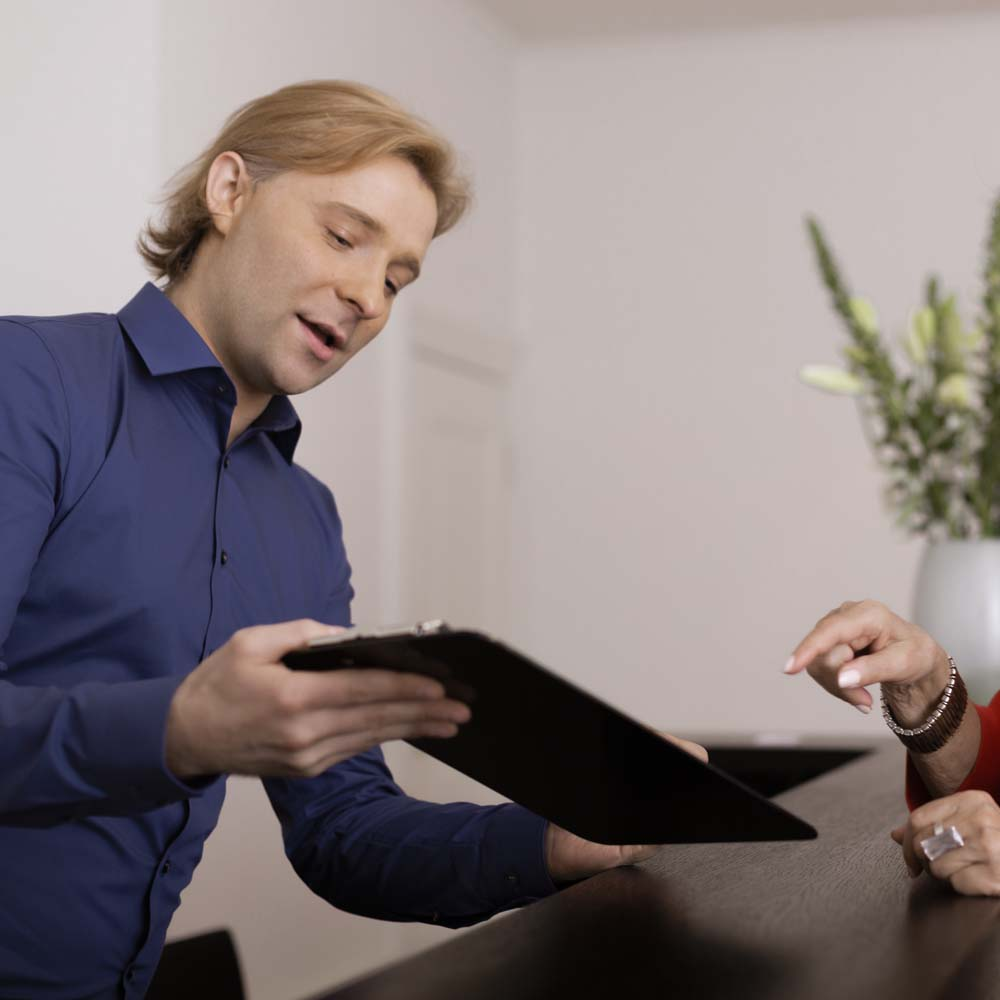 Terminvergabe Praxismanager Roman Fedytnyk